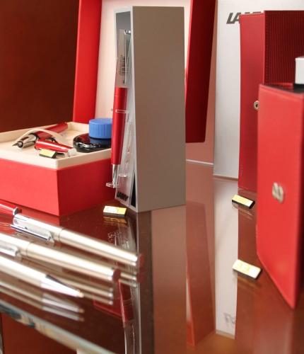 papeterie monaco fournitures de bureaux papiers hallmark. Black Bedroom Furniture Sets. Home Design Ideas
